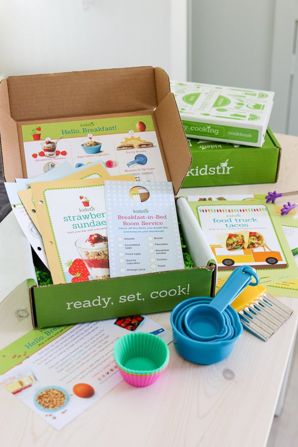 Picture of a Kidstir cooking subscription box